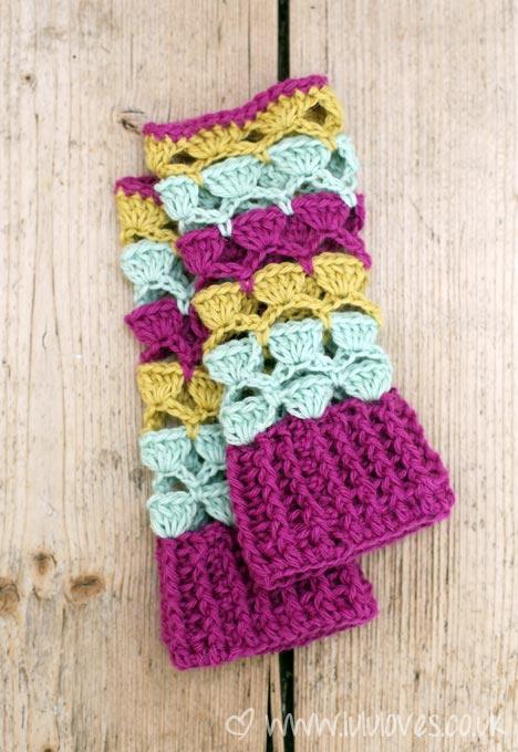 crochet-wristwarmers2