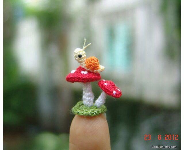micro crochet snail